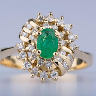 18 kt. Gold - Ring Emerald