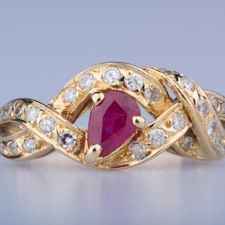 18 kt. Gold - Ring Ruby