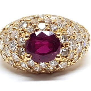 18 kt. Gold - Ring - 2.60 ct Ruby - Diamond