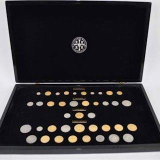 Portugal - 40 Itens - Medalhas - As Moedas dos Reis - Colecções Philae - Silver