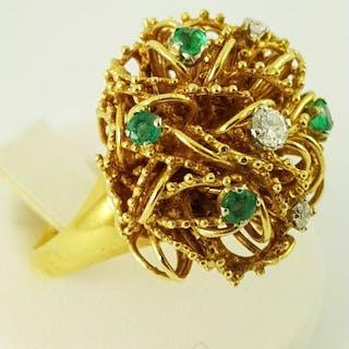 18 kt Gelbgold - Diamant-Smaragd-Ring - 4 Smaragde + 3 Diamanten - 0.48 ct