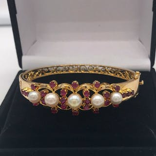 15 kt. Gold, Yellow gold - Bracelet Ruby - Pearls