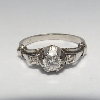 18 kt. White gold - Ring with 3 Natural Diamonds