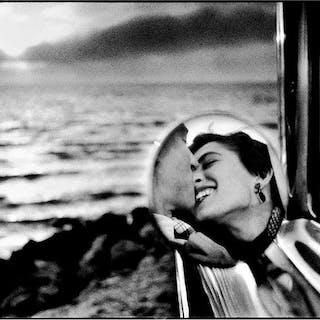 Elliott Erwitt (1928-) - Santa Monica, 1955