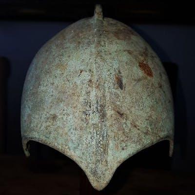 Casco Scythian Bronze tipo Kuban