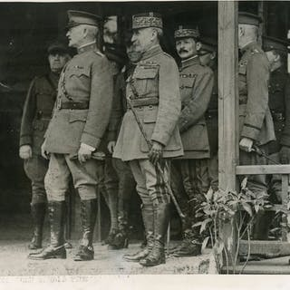 Unknown/International Film Service - General Jack Pershing with Marshal Foch
