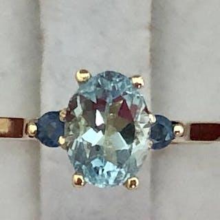 18 kt. Gold - Ring - 1.18 ct Sapphire - Aquamarine