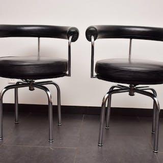 Le Corbusier - Cassina - Chair (2) - draaistoel