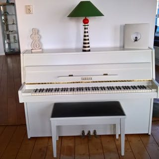 Yamaha - 105 M - Piano
