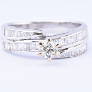 18 kt. White gold - Ring - 0.61 ct Diamond