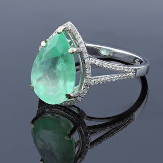 14 ct Gold Ring - 14 kt. White gold - Ring - 4.87 ct Emerald - Diamond