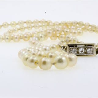 18 kt. Natural pearl - Necklace 143 Natural pearls with certificate - Diamonds