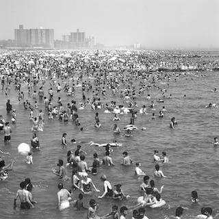 Henk van der Leeden (1941-) - Coney Island beach, New York, 1983