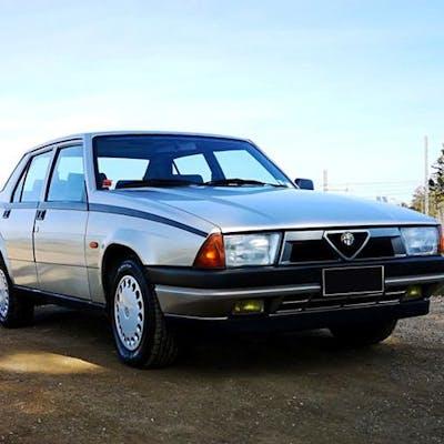 Alfa Romeo - 75 1.6 carburatori - 1989