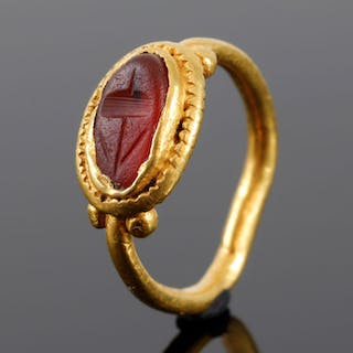 Ancient Roman Gold Ring with a cornelian (used during...