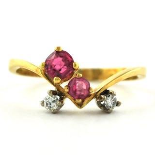 18 kt. Yellow gold - Ring Ruby - Diamond