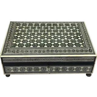 Khatamkari Mosaic chest - Bone, Ebony, Tin, Wood - India - mid 20th century