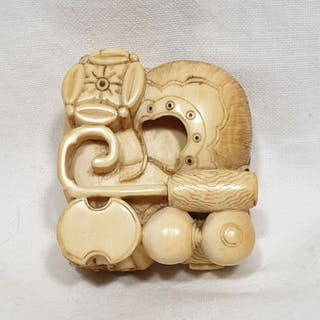 Netsuke (1) - Elefant Elfenbein - Attribute der...