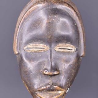 Dance mask - Wood - Galerie Claude Vérité - Dan - Gabon