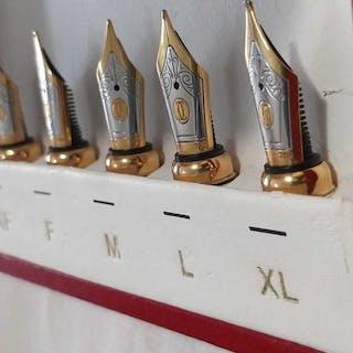 Cartier - Cartier Set mit Füllfederhalterspitzen aus 18...