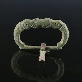 Early medieval Bronze Viking Buckle with dragon heads - 32.7×20.1 mm