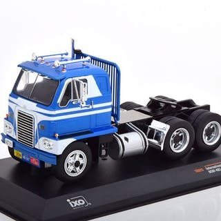 IXO - 1:43 - International Harvester DCOF-405 1959- blau weißes Emeryville