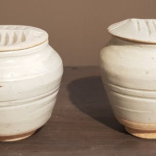 Urns (2) - Celadon - Ceramic Longquan - China - Southern Song (1127-1279)