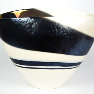 Yalos Murano - Ivory centerpiece cup black band - Glass