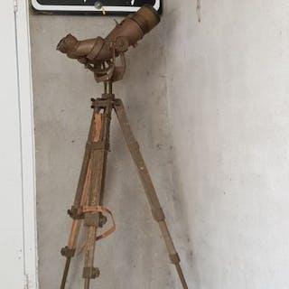 Japan - Navy - Binoculars - 1940