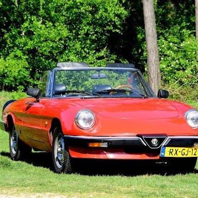 Alfa Romeo - Spider 2.0 - 1985