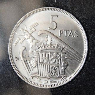 Spain - Estado Español - 5 Pesetas 1957 *BA - Brillo...