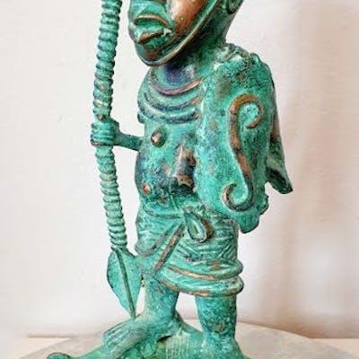 Sculpture Oba guerrier  - Bronze africain - BENI EDO - Nigeria