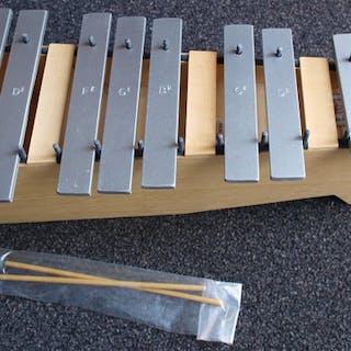 Lugert - Sopraan Metallofoon, Chromatische uitbreiding - Metallophone