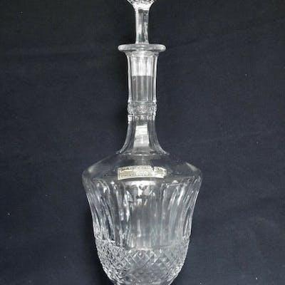 Saint Louis - carafe à vin - modèle Tommy - signé - Cristal