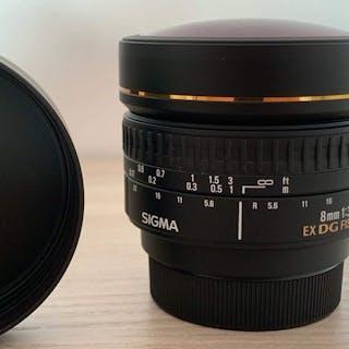 Sigma 8 mm 3,5 EX DG Circular Fisheye Attacco Nikon DX/FX