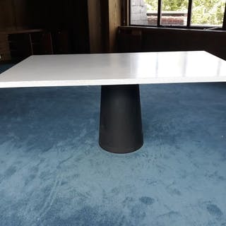 Marcel Wanders - Moooi - Table (1) - Container Tafel