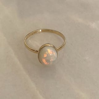 18 kt. Gold - Ring Opal