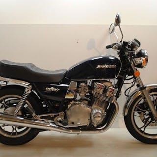 Suzuki - GSX 750 T - 1982