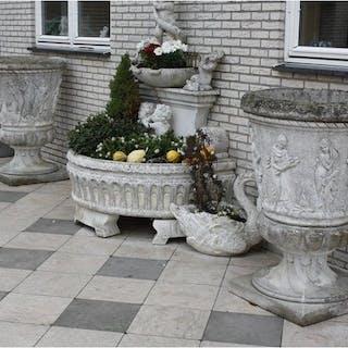 A few large garden vases (2) - simil pietra (composition...