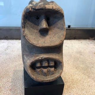 Passport-Maske (1) - Holz - Dan Kran - Kongo
