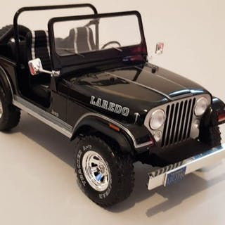 Model Car Group - 1:18 - Jeep CJ-7 LAREDO - Sonderausgabe