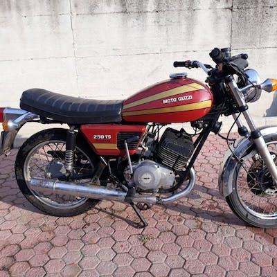 Moto Guzzi - TS- 250 cc - 1976