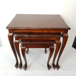 Mini set di tavolini stile Queen Anne