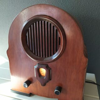 Vintage radio art-deco style reproduction - FTZ-number 11/620 - Radio