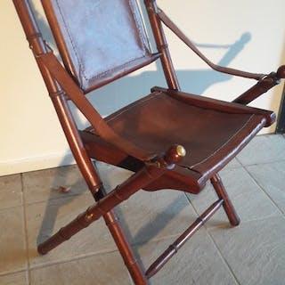 Seduta ufficiale - rivestimento in legno e pelle - Legno, pelle