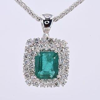 18 kt. White gold - Necklace - 4.84 ct Emerald - 1.78 Ct Diamonds