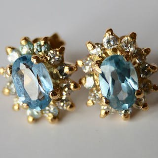 18 kt. Yellow gold - Earrings - 2.20 ct Topaz - 0.44 ct.Brilliant cut diamonds