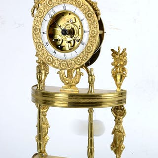 Mantel clock - Bronze - Late 18th century