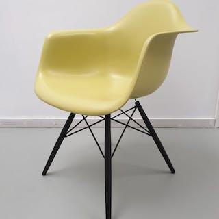 Charles Eames, Ray Eames - Vitra - Stuhl - DAW