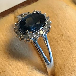 14 kt. White gold - Ring - 0.80 ct Sapphire - Diamonds, 0.25 ct